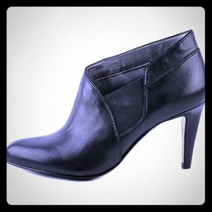Shoes - Black leather stiletto booties